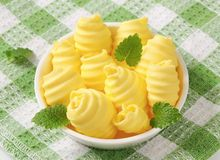 Bowl of butter curls Royalty Free Stock Photos