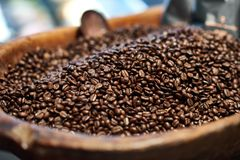A bowl of coffee beans closeup Royalty Free Stock Photography