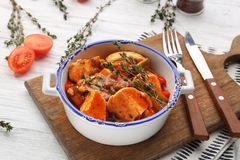 Bowl with delicious chicken cacciatore Stock Photos