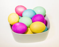 Bowl of dyed Easter eggs isolated Royalty Free Stock Photos