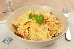Farfalle with salmon Royalty Free Stock Photos