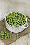 A bowl of fresh peas Royalty Free Stock Images