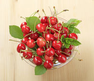 Bowl of fresh red cherries Royalty Free Stock Images