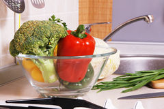 Bowl with fresh vegetables Royalty Free Stock Photos