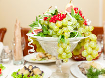 Bowl with fruits Royalty Free Stock Photos