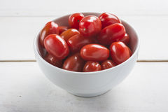 Bowl with grape tomatoes Royalty Free Stock Photos