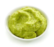 Bowl of guacamole sauce Royalty Free Stock Photography