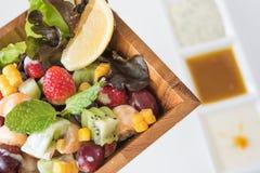 Bowl of healthy fresh fruit salad Royalty Free Stock Photos