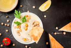 Bowl of hummus Stock Photography