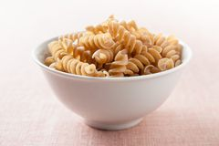 Bowl of macaroni integral Stock Images