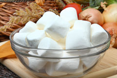 Bowl of marshmallows Royalty Free Stock Photos