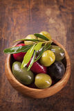 Bowl with mixed olives Royalty Free Stock Photos