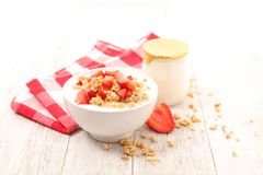 Bowl of muesli Royalty Free Stock Images
