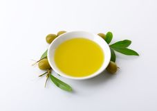 Bowl of olive oil Royalty Free Stock Images