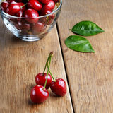Bowl of organic Cherries Royalty Free Stock Images