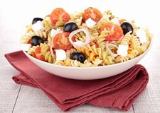Bowl of pasta salad Royalty Free Stock Photos