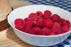 Bowl of raspberries Royalty Free Stock Photos