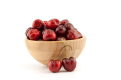 Bowl with ripe red cherries Royalty Free Stock Photos