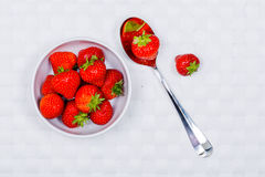 Bowl of strawberries Royalty Free Stock Photos