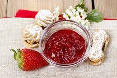 Bowl of strawberry jam Stock Photography