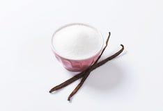 Bowl of sugar and vanilla beans Royalty Free Stock Photos
