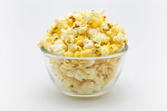 Bowl of sweet caramel popcorn Royalty Free Stock Photos