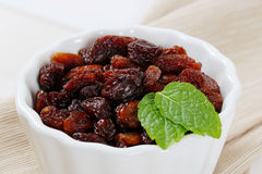 Bowl of sweet raisins Royalty Free Stock Image
