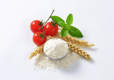 Bowl of wheat flour Stock Photos