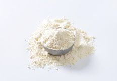 Bowl of wheat flour Royalty Free Stock Images