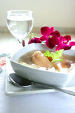 Bowl of wholesome chicken soup Royalty Free Stock Photography