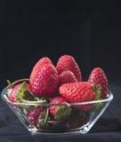 bowla glass jordgubbar Royaltyfri Fotografi