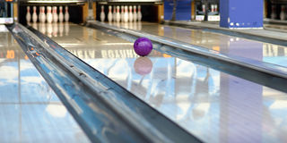 Free Bowling Royalty Free Stock Images - 35377469
