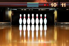 Bowling. Staring down the lane looking at the pins Royalty Free Stock Photos