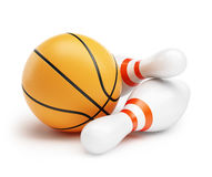 Bowling de boule de basket-ball sur un fond blanc Photo stock