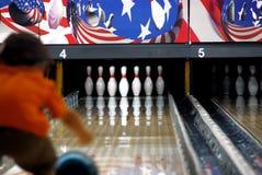 Bowling del niño Imagen de archivo libre de regalías