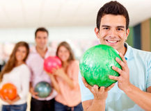 Bowling do homem Foto de Stock Royalty Free
