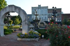 Bowling Green, Kentucky. Fountain Square in Bowling Green Kentucky, with arch and fountain royalty free stock images