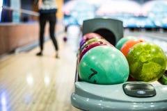 Bowlingkugeln lizenzfreie stockfotos