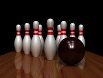 Bowlingspielkugel und -stifte Lizenzfreie Stockfotos