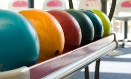 Bowlingspielkugeln Stockbilder