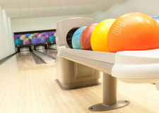 Bowlingspielkugeln Stockbild