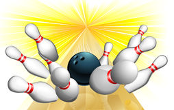 Bowlingspielkugelschlag Lizenzfreie Stockfotos