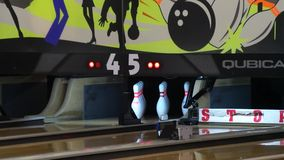 Bowlingspielmaschine, Bowlingspielstreik stock video footage