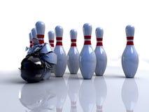 Bowlingspielstifte gebrochen Lizenzfreie Stockbilder