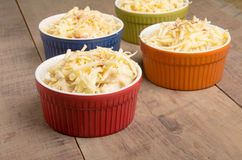 Bowls of crab macaroni and cheese ready for the oven Royalty Free Stock Photos