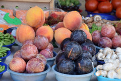 Bowls of fruits and vegetables Royalty Free Stock Image