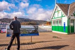 Bowness en distrito del lago del cumbria de la orilla del lago del windermere fotos de archivo libres de regalías