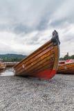 BOWNESS NA WINDERMERE, jezioro DISTRICT/ENGLAND - SIERPIEŃ 20: Rowin Fotografia Stock