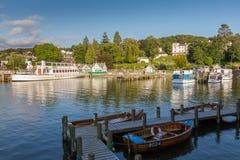 Bowness-sur-Windermere la vue de port dans la lumière d'après-midi, secteur de lac Photo stock