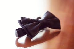 Bowtie e botões elegantes para o homem Fotos de Stock Royalty Free